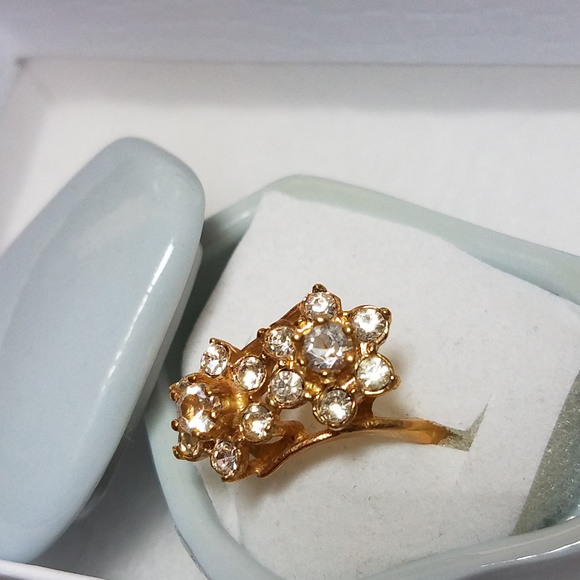 VARGAS NY Jewelry - Glamour Cz Ring Cluster DOUBLE Flower Ring 18K HGE
